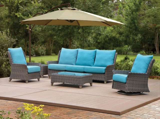 Kingston Casual Outdoor Furniture Waverly Sofa Group